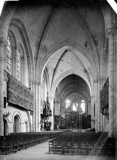 Cathédrale Saint-Maurice Vue intérieure de la nef, vers le choeur, Mieusement, Médéric (photographe),