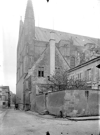 Cathédrale Saint-Pierre Angle nord-est, Gossin (photographe),