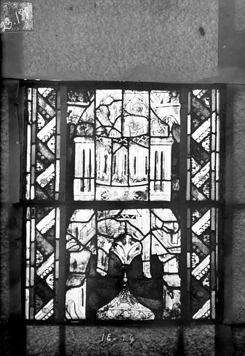 Eglise Saint-Gengoult Vitrail du transept sud, fenêtre A, 2ème lancette, panneaux supérieurs 13, 14, Romanais (photographe),