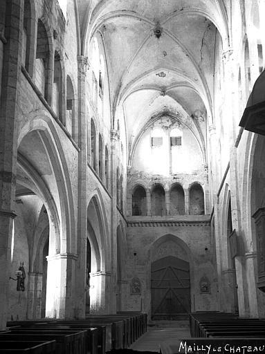 Eglise Nef, vue du choeur, Louzier (photographe),