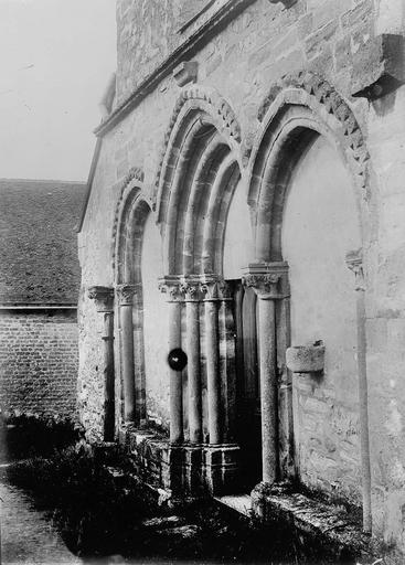 Eglise Portail, Service photographique ; Genuys, C. (photographe),
