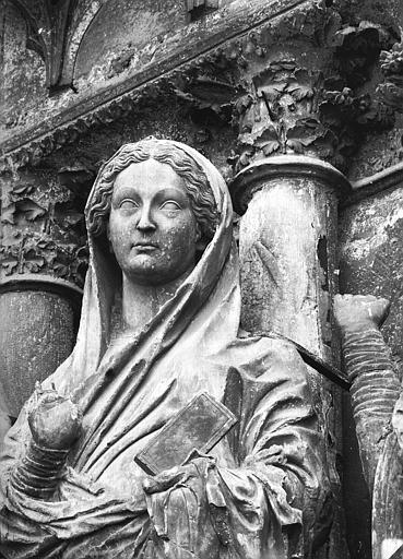 Cathédrale Notre-Dame Portail ouest, buste de la Vierge de la Visitation, Lajoie, Abel,