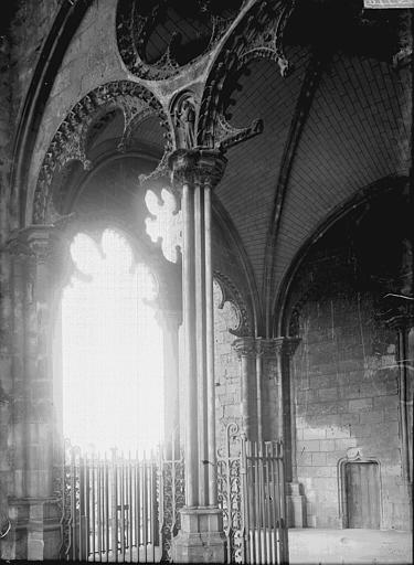 Cathédrale Porche, Enlart, Camille (historien),