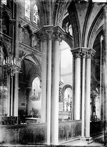 Eglise Saint-Amable Déambulatoire, Enlart, Camille (historien),