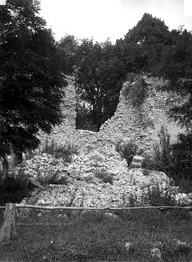 Château (ancien) Ruines, Durand, Eugène (photographe),
