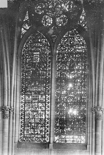 Cathédrale Notre-Dame Vitrail, baie de la nef côté sud, 2e travée, Sainsaulieu, Max (photographe),