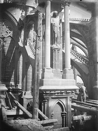 Cathédrale Notre-Dame Arc-boutant de l'abside, détail, Lajoie, Abel,
