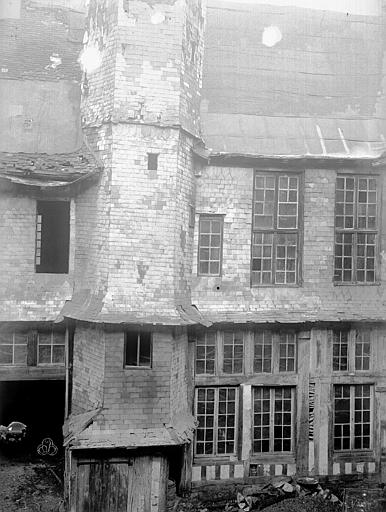 Hôtel de Mauroy Bâtiment est, cour, Lancelot, Gustave,