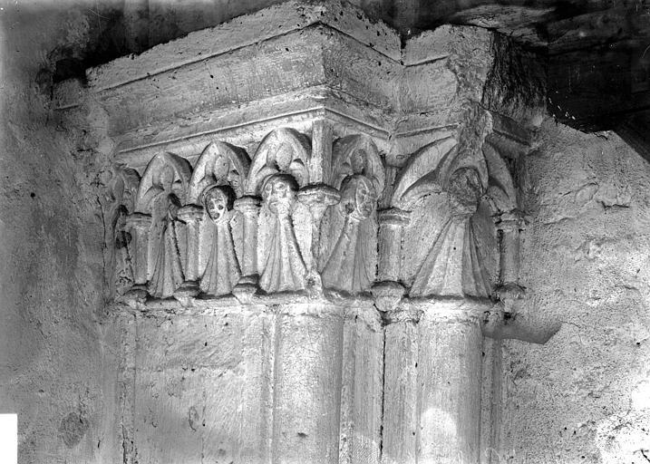 Eglise Saint-Paul (supposée) Chapiteau, Enlart, Camille (historien),
