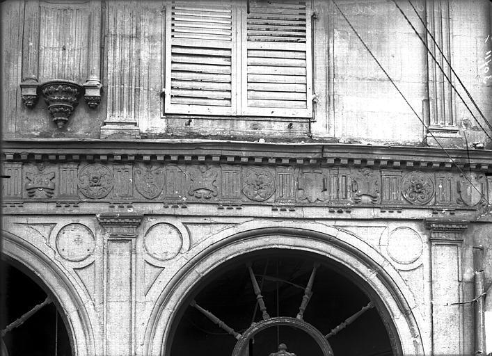 Maison natale de Jean-Baptiste de la Salle Frise, Verneau, G.,