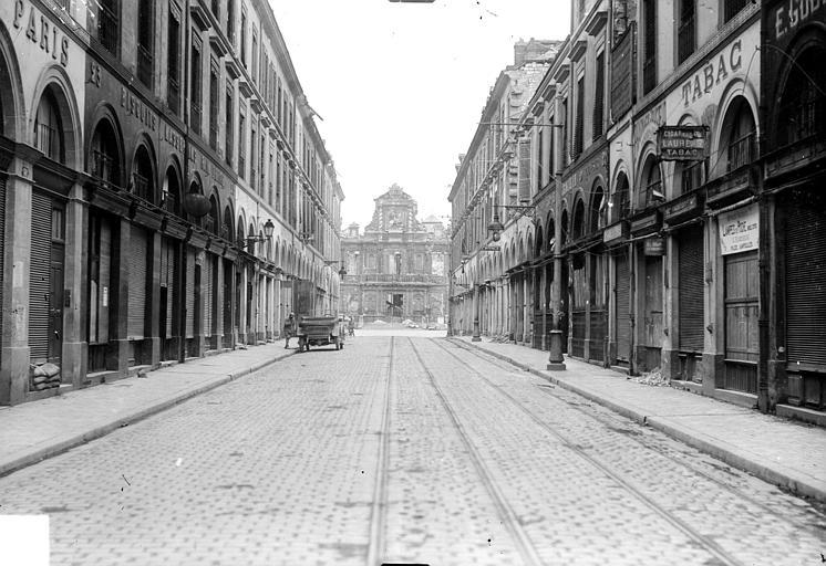 Hôtel de Ville Vue générale prise d'une rue, Goubeau (photographe),