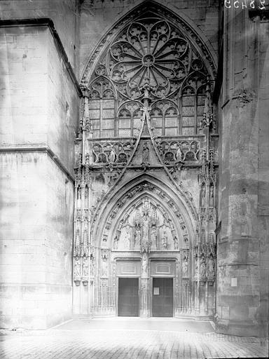 Eglise Saint-Martin Portail et rose, Enlart, Camille (historien),