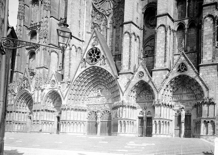 Cathédrale Saint-Etienne Portail ouest, Enlart, Camille (historien),