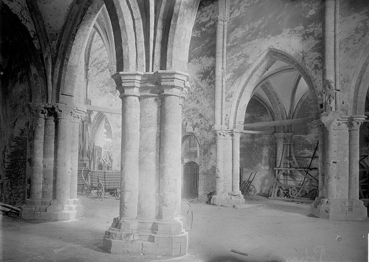 Eglise des Bénédictins (ancienne) Bas-côté, Enlart, Camille (historien),