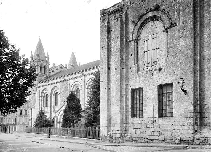 Cathédrale Saint-Pierre Façade sud : Restes de l'ancien clocher, Mieusement, Médéric (photographe),
