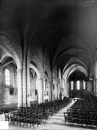 Eglise Vue intérieure de la nef vers le nord-est, Heuzé, Henri (photographe),