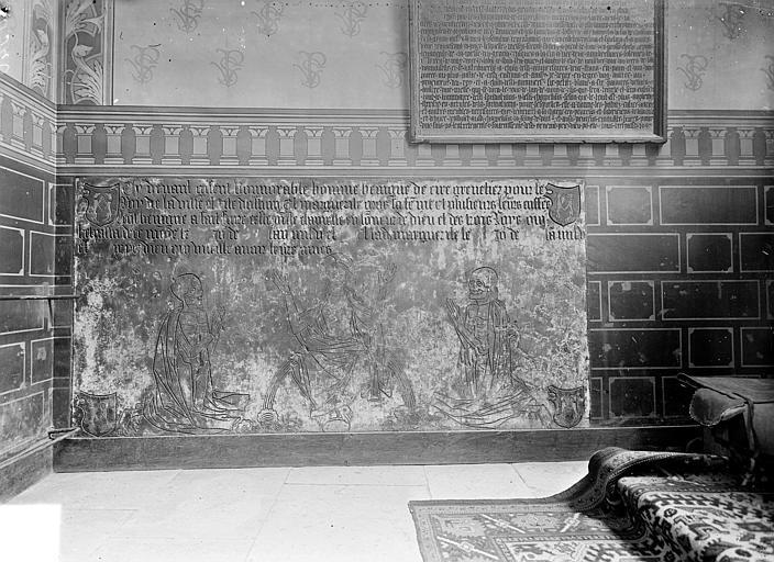 Eglise Saint-Michel Dalle funéraire de Bénigne de Ciré, grenetier royal de la ville d'Autun, et de Marguerite Gros sa femme, Gossin (photographe),