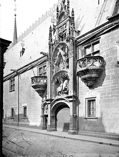 Palais Ducal (ancien) ; Musée Lorrain Façade sur la rue : Portail, Mieusement, Médéric (photographe),