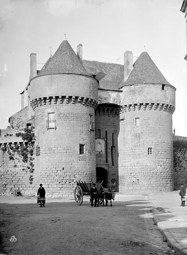 Remparts Porte Saint-Michel : Vue d'ensemble extra-muros, Mieusement, Médéric (photographe),