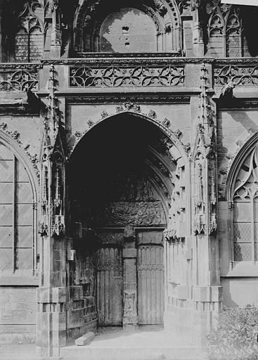 Eglise Saint-Pierre Portail, Enlart, Camille (historien),