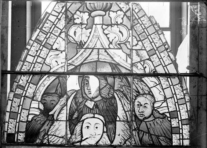 Cathédrale Saint-Etienne (ancienne) Vitrail du transept nord, fenêtre C, panneau supérieur, Romanais (photographe),