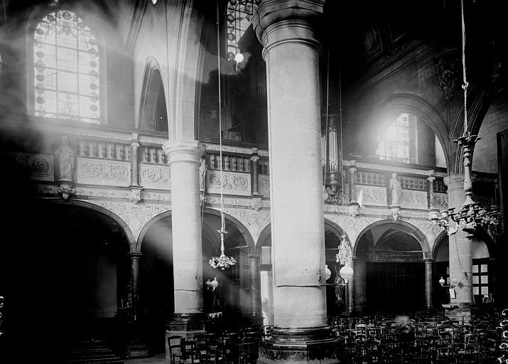 Eglise Intérieur: vue diagonale, Enlart, Camille (historien),