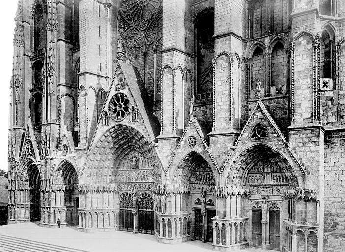 Cathédrale Saint-Etienne Façade ouest : ensemble des cinq portails, Mieusement, Médéric (photographe),