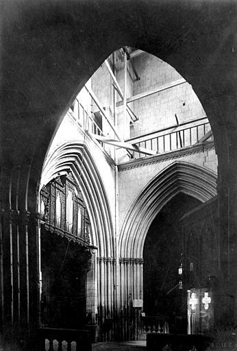 Eglise Saint-Jean Vue intérieure de la tour ouest, Heuzé, Henri (photographe),