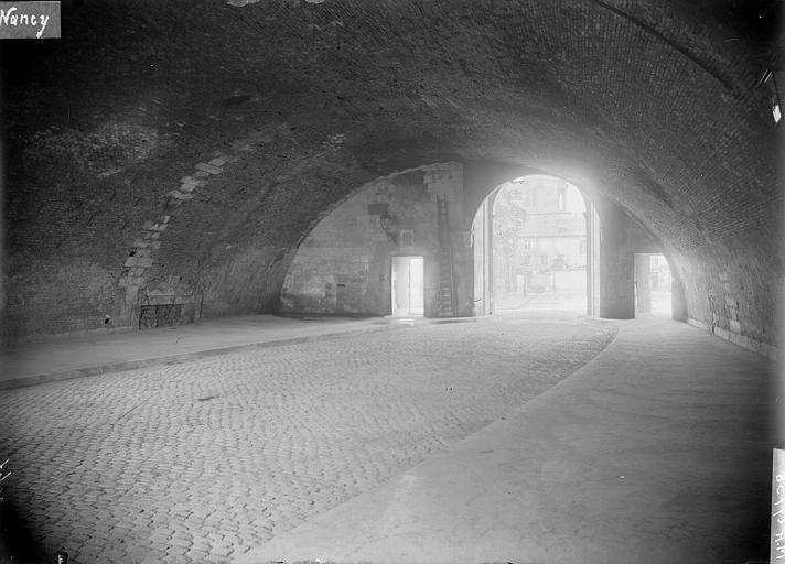 Porte Saint-Georges Intérieur, Louzier (photographe),