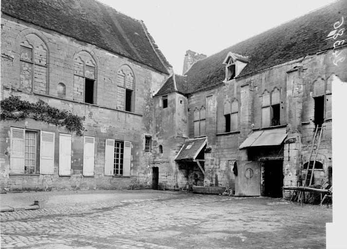 Manoir de Saint-Paterne (ancien) Cour, Heuzé, Y.,