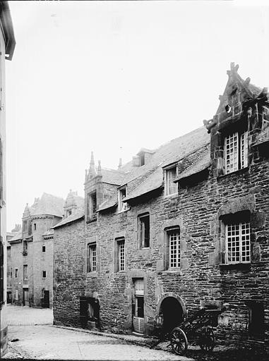 Maison Façade: vue diagonale, Enlart, Camille (historien),