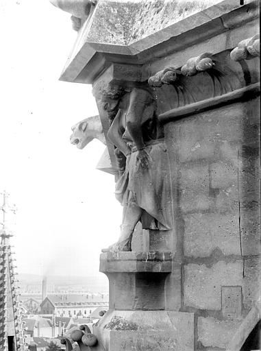 Cathédrale Notre-Dame Cariatide de l'abside, Lajoie, Abel,
