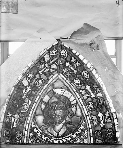 Eglise Saint-Gengoult Vitrail de l'abside, lancette de droite, panneau 30, Romanais (photographe),