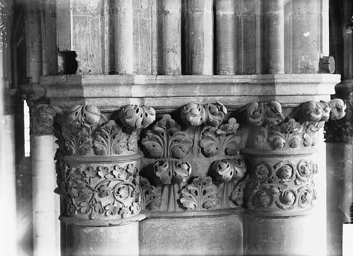 Cathédrale Notre-Dame Chapiteau du premier pilier de la chapelle absidiale, au sud, Lajoie, Abel,
