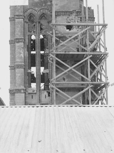 Eglise Notre-Dame (ancienne cathédrale) Tour nord, partie médiane, Service photographique,