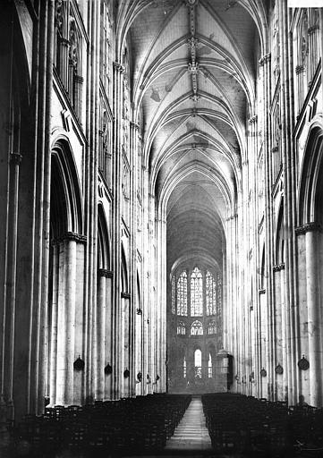 Cathédrale Saint-Gatien Nef vue de l'entrée, Enlart, Camille (historien),