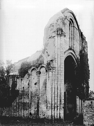 Abbaye Notre-Dame de la Couronne (ancienne) Partie sud, absidiole, Heuzé, Henri (photographe),