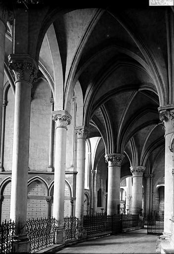 Basilique Saint-Remi Déambulatoire, Enlart, Camille (historien),