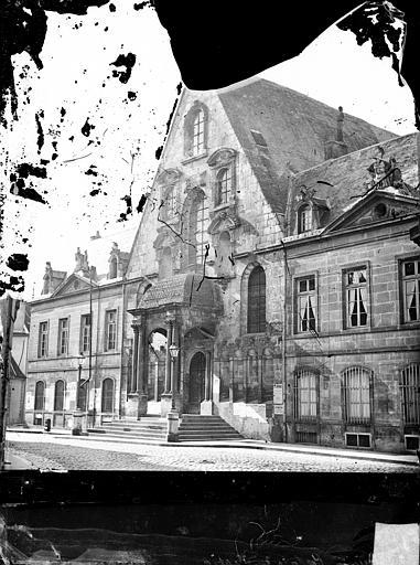 Palais de Justice Façade sur la place : Pavillon d'entrée, Delaunay (photographe),