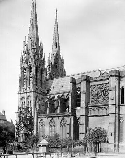 Cathédrale Notre-Dame Façade sud : Clocher et transept, Mieusement, Médéric (photographe),