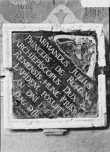 Cathédrale Notre-Dame Pierre de dédicace du maître-autel trouvée dans la maçonnerie, le 16 août 1919, Verneau, G.,