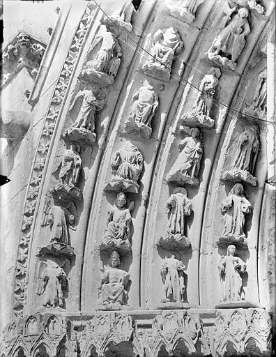 Cathédrale Saint-Pierre Portail sud de la façade ouest : Voussures, côté gauche, Gossin (photographe),