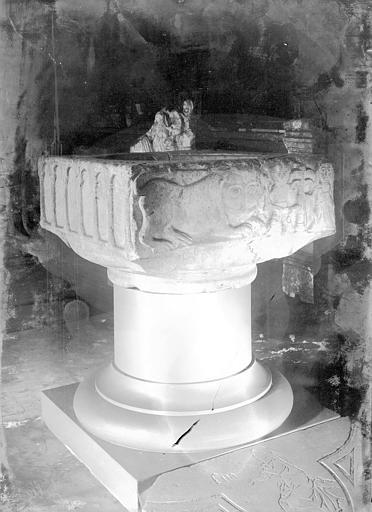 Fonts baptismaux, Enlart, Camille (historien),