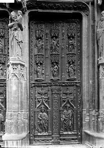 Cathédrale Saint-Sauveur Portail: vantail droit, Enlart, Camille (historien),