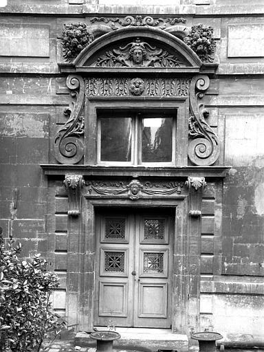 Hôtel Béthune-Sully Porte, Durand, Eugène (photographe),