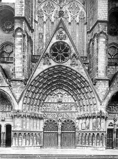 Cathédrale Saint-Etienne Façade ouest, troisième portail, central, porte du Jugement dernier, Doucet ; Baudet (photographe),