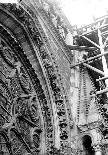 Cathédrale Notre-Dame Partie de la voussure de la rose sud, Lajoie, Abel,