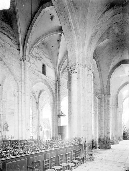 Eglise Bas-côté nord et nef, Heuzé, Henri (photographe),