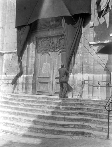 Eglise Portail, Chaine, Henri (architecte),