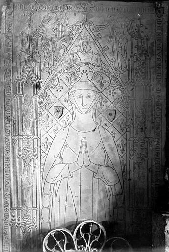 Cathédrale Notre-Dame Dalle funéraire gravée, Enlart, Camille (historien),